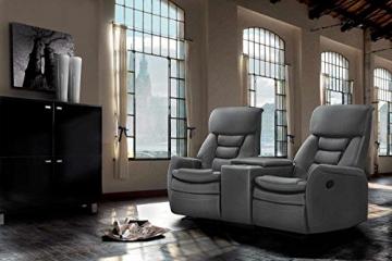lifestyle4living Kinosessel 2-Sitzer, Kunstleder, grau | Hochwertiger 2er Cinema-Sessel/Sofa mit Getränkehalter & Liegefunktion für entspannte Heimkino-Abende - 1